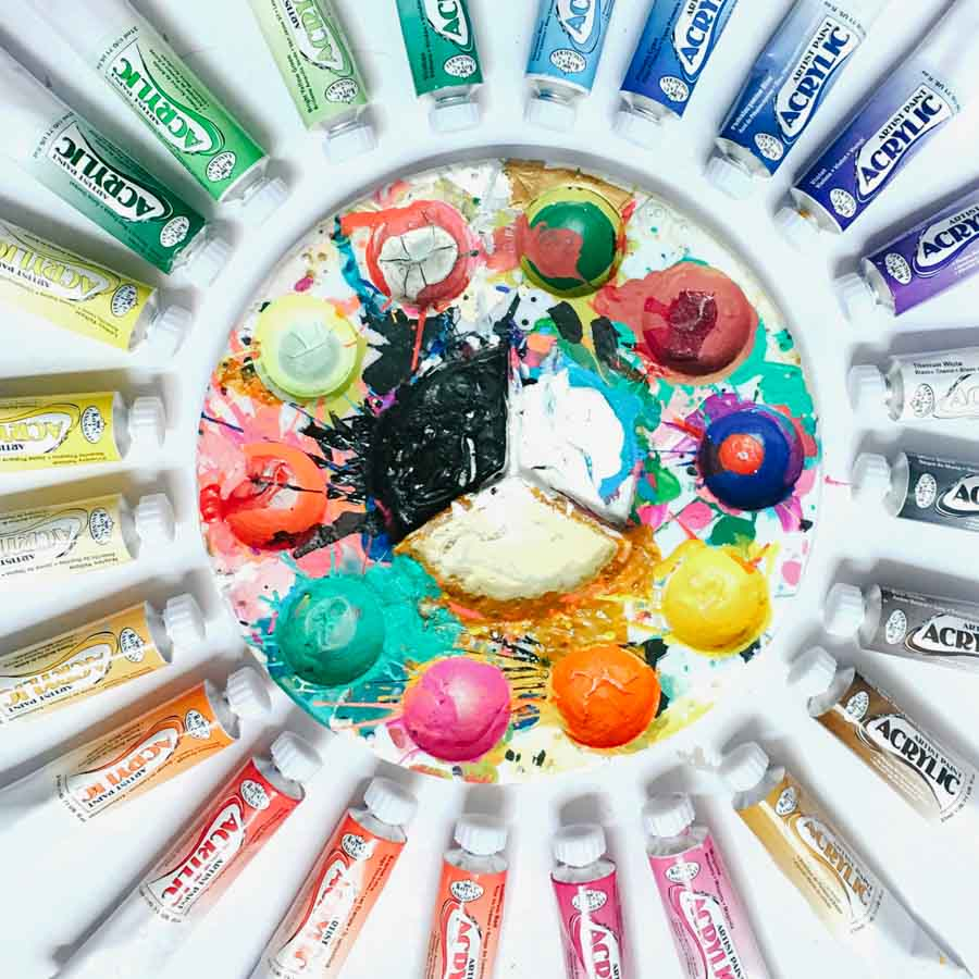 The-Best-Acrylic-Paints-For-Canvas_My-Friend-Court