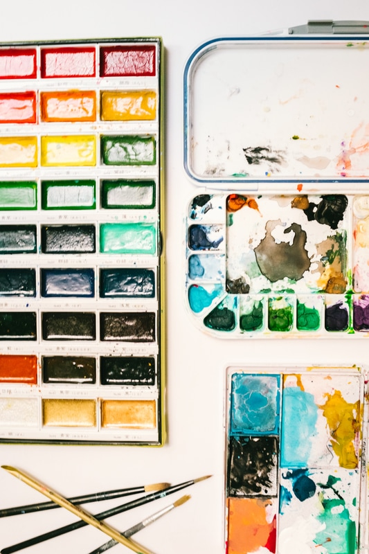 PictureBest-Watercolor-Paints-and-Pallets