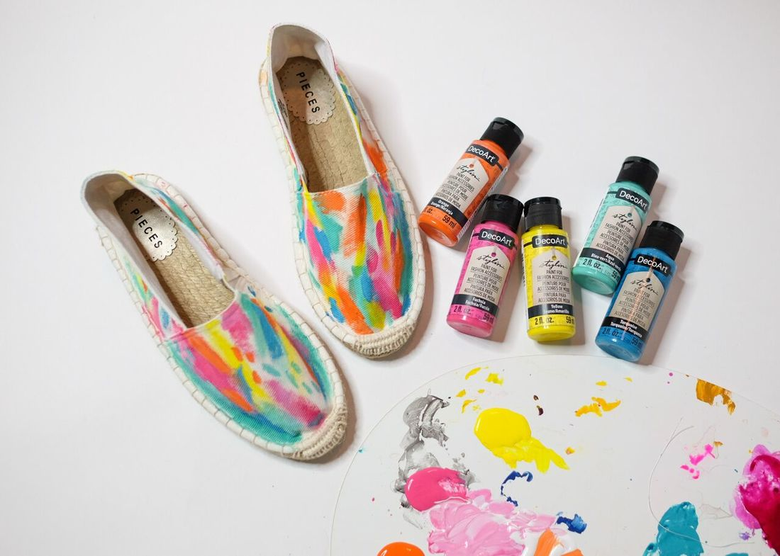 DIY-shoe-makeover-ideas_my-friend-court_decoart